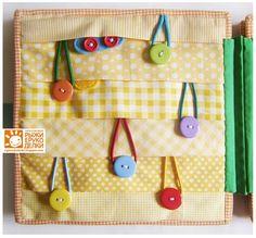 Button: quiet book page Diy Quiet Books, Baby Quiet Book, Felt Quiet Books, Quiet Book Templates, Quiet Book Patterns, Sensory Blanket, Sensory Book, Nursing Home Gifts, Fidget Blankets