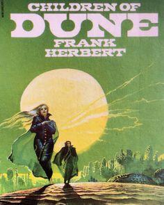 "martinlkennedy: ""Children of Dune art by Bruce Pennington "" Science Fiction Magazines, Science Fiction Art, Pulp Fiction, Frank Herbert, In The Year 2525, Classic Sci Fi Books, Dune Art, Space Themed Nursery, 70s Sci Fi Art"