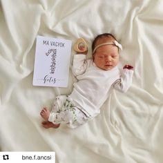 Baby milestone card Berrybaby. Berrybaby kislány mérföldkő kártya.