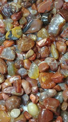 Beautiful Flowers Wallpapers, Beautiful Nature Wallpaper, Colorful Wallpaper, Stone Wallpaper, Apple Wallpaper, Rock And Pebbles, Rocks And Gems, Pebble Stone, Stone Art