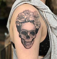 Black and white Frida Khalo inspire skull tattoo. Frida Tattoo, Calavera Tattoo, Frida Kahlo Tattoos, Mexican Skull Tattoos, Skeleton Tattoos, Mexican Skulls, Foot Tattoos, Sleeve Tattoos, Tatoos