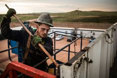 Investors are getting crushed as US natural gas drillers crash - http://www.creditvisionary.com/investors-are-getting-crushed-as-us-natural-gas-drillers-crash