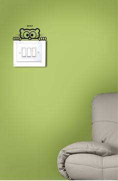 Here's an owl that gets up every time you wake up in the night to switch on the light! :) Get this owl switchboard decal, only on http://www.gloob.in/decals/owl-4810.html