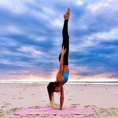 #LL @LUFELIVE #thepursuitofprogression #yoga Sjana Earpd