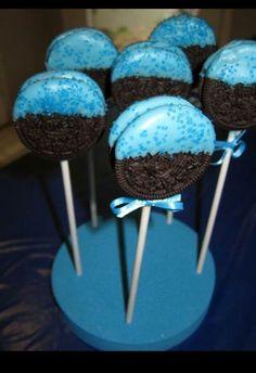 Oreo cookie monster pops