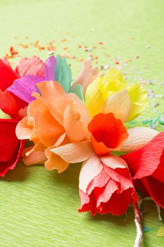 How to make tissue paper kite paper flowers quick and easy tea rainbow flower wreath for st patricks day mightylinksfo