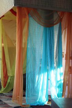 maybe hang some playsilks in the reading area.let the children play: reggio emilia inspired indoor learning spaces Play Based Learning, Learning Spaces, Learning Environments, Early Learning, Reggio Classroom, Classroom Decor, Infant Classroom, Classroom Setting, Classroom Design