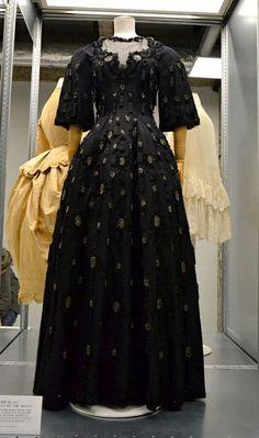 Balenciaga, Robe du soir Haute couture Automne/Hiver 1951