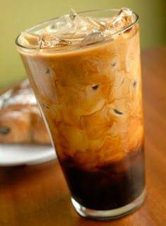 Brasileiro adora café, mas com o calor que anda fazendo, dá para substituir o tradicional cafezinho por um refrescante milk-shake, você me...