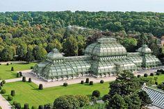 The Most Beautiful Greenhouses Around The World Viktorianische Gewachshauser Schone Gebaude Und Glashaus