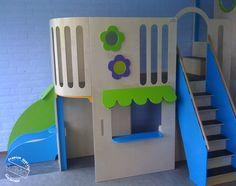 Combitoestel 07 is een groot combitoestel. Hier is enkel het speelhuis van de combitoestel te zien. Waar de kinderen boven kunnen klimmen en glijden, kunnen de kinderen beneden bijvoorbeeld winkeltje spelen. Een ideaal product voor op scholen, buitenschoolse opvang, peuterspeelzalen en/of kinderopvang. Naast dat de combitoestel een fijne speel- en werkplek is voor de kinderen zorgt het in de ruimte ook voor meer vloeroppervlakte. #scholen #KDV #PSZ #BSO #kinderopvanginrichting Nintendo 64, Logos, Games, School, Art, Art Background, Logo, Kunst, Gaming