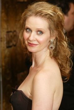 Photo gallery of Cynthia Nixon, last update Collection with 91 high quality pics. Cynthia Nixon, Three Friends, Carrie Bradshaw, Hobbs, Photo Galleries, City, Beauty, Cities