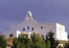 San Rafael Church Ibiza, B&B Sabassaroja, eco restaurant met Ned. eigenaren