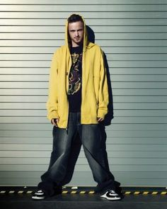 Watching 'Breaking Bad' is so much fun on many levels. I must admit it was a surprise to see stylists have done such a great job, especially dressing Aaron Paul aka Jesse Pinkman, so it… Breaking Bad Jesse, Breaking Bad Tv Series, Breking Bad, Adrian Paul, Anna Gunn, Dean Norris, Bad Quotes, Alamo Drafthouse, Jesse Pinkman