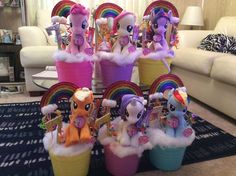 my little pony centerpieces - Bing images My Little Pony Party, Fiesta Little Pony, Cumple My Little Pony, My Lil Pony, Rainbow Dash Party, 1st Birthday Girls, Unicorn Birthday Parties, Birthday Ideas, Little Poney