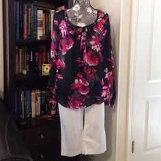 Flower blouse - long sleeves Lovely light weight blouse with ties in the front. Perfect for cool summer nights. 100% Polyester Kirna Zabete Tops