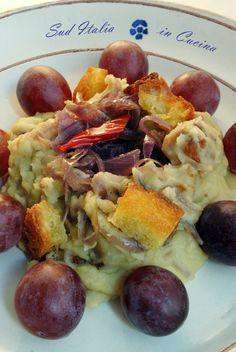 Fave Secche Ripassate con Uva, era abitudine scaldare le fave rimaste con cipolla sfritta, colazione dei braccianti che aggiungevano uva o altro in campagna http://blog.giallozafferano.it/suditaliaincucina/?p=3109