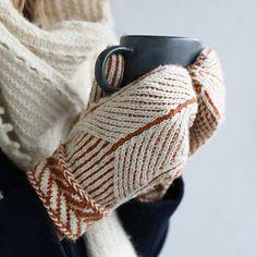 Ravelry: Designs by Matilda Kruse - Knitting Ideas Fingerless Gloves Crochet Pattern, Fingerless Gloves Knitted, Crochet Mittens, Knitted Hats, Ravelry Crochet, Baby Mittens, Crochet Sweaters, Crochet Stitches, Shawl Patterns