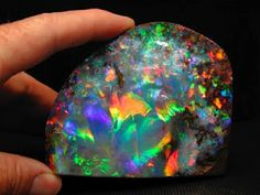 The galaxy opal (i wish this was my birth stone! Cool Rocks, Beautiful Rocks, Minerals And Gemstones, Rocks And Minerals, My Birthstone, Rocks And Gems, Stones And Crystals, Gem Stones, Krystal
