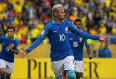 Neymar abrió el camino de la goleada de Brasil sobre Ecuador en Quito. //AFP