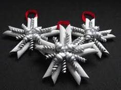 Risultati immagini per decorazioni natalizie fai da te sedia decoupage