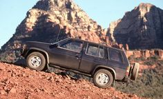 , Nissan Pathfinder SE,