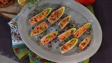 Raw Red Pepper Cream Cheese Endive Bites from Nutritionist Kimberly Snyder, author of The Beauty Detox Power Recipes Appetizers And Snacks, Healthy Appetizers, Snack Recipes, Cooking Recipes, Detox Recipes, Clean Recipes, Low Carb Recipes, Healthy Recipes, Best Body Detox