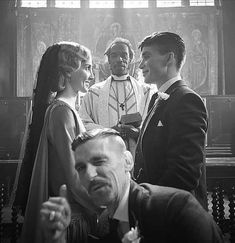 "Cillian Murphy, Tom Hardy, Paul Anderson & Annabelle Wallis photographed by Robert Viglasky of ""Peaky Blinders"" Peaky Blinders Thomas, Cillian Murphy Peaky Blinders, Paul Anderson Peaky Blinders, Peaky Blinders Grace, Movies And Series, Movies And Tv Shows, Tv Series, Peaky Blinders Wallpaper, Birmingham"