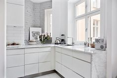 white, wood & marble by AMM blog, via Flickr