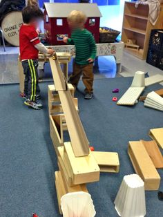 """Blog post about all the different """"learning"""" happening with ramps and balls in the block area-Pondering Preschool"""