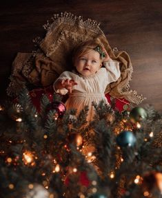 Funny Baby Pictures To Take Cute Baby Pictures, Newborn Pictures, Family Christmas Pictures, Holiday Pictures, Foto Baby, Christmas Photography, Birthday Photography, Newborn Baby Photography, Christmas Baby