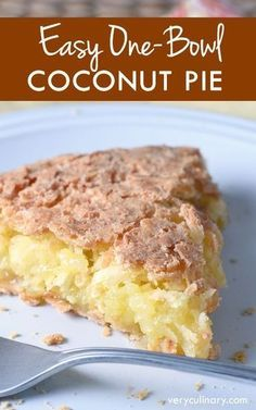 A super easy pie where coconut is the star. Sweet, buttery, and crispy. With only 5 minutes of prep!
