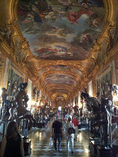 visitare l' #Armeria #Reale di #Torino per ammirare la mitica spada di San Maurizio!