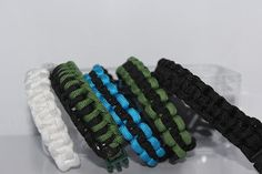 Jettescraftcorner: paracord bänder Band, Beaded Bracelets, Jewelry, Fashion, Moda, Sash, Jewels, Fashion Styles, Pearl Bracelets