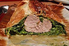 Blätterteigrolle mit Schweinefilet und Spinat