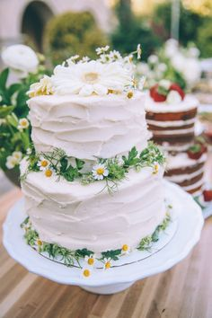 Daisy cake by Sweet Tooth Fairy