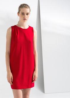 Prosta lejąca sukienka - Mango