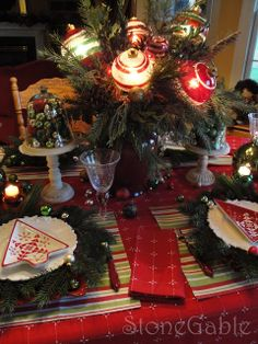 sandra lee table scapes | StoneGable: Decking the Halls Christmas Tablescape