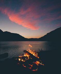 santiagodehoyos: Lakeside campfires.By @santiagodehoyos
