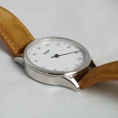 Wundrwatch: Uhr mit nur einem Zeiger Gadgets, Omega Watch, Blog, Accessories, Pointers, Clock, Creative, Tips, Gadget