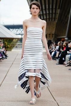 #Farbberatung #Stilberatung #Farbenreich mit www.farben-reich.com Dion Lee Resort 2018 Fashion Show