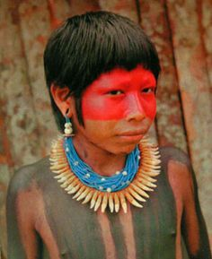 Indigenous peoples in Brazil We Are The World, People Around The World, Amazon Face Paint, Amazon People, Female Body Paintings, Xingu, Photo Portrait, Beauty Around The World, Interesting Faces