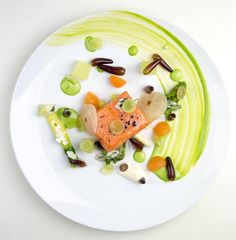 Twitter Anh Qi Resto salmon sous-vide Gourmet Food Plating, Chefs, Modernist Cuisine, Exotic Food, Culinary Arts, Creative Food, Food Presentation, Dessert, Food Design
