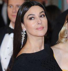 Ce qui se cache derrière la beauté intemporelle de Monica Bellucci www.moviedude.org