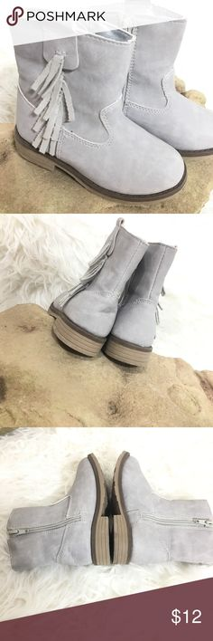 new arrivals 8c8c6 938be Shop Kids  carters Silver size Boots at a discounted price at Poshmark.  Footbed has normal wear no stains or scuffs. Left back heel has a little  crease.