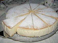 La käse sahne torte è una torta di ricotta tirolese, di origini tedesche, ma molto diffusa nel Trentino. Si tratta di una torta realizzata con due dischi di pan di spagna molto sottili, tipo pasta …