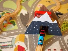 Super simple cardboard craft- Make a bridge for your trains from cardboard boxes!