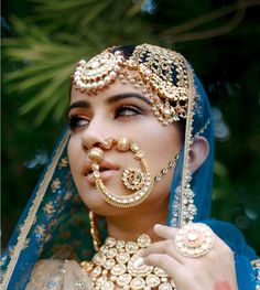Nothing can define royalty better than Rajasthani Rajput jewellery. Choose from the suave Rajasthani jewellery and complete your bridal look perfectly. Bridal Looks, Bridal Style, Rajput Jewellery, Bridal Nose Ring, Nath Bridal, Indiana, Fashion Jewellery Online, Indian Bridal, Bridal Makeup