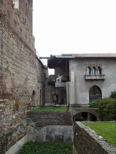 Am ajuns în Verona, venind cu trenul dinspre Padova, cu Trenitalia Regionale, o călătorie plăcută de aproximativ o oră. Am ajuns la gara Verona Porta Nuova, apoi ne-am cazat la un hotel din apropie…