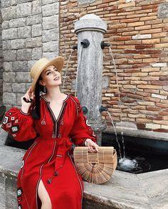 40s Dress, V Neck Dress, Idda Van Munster, Fairy Clothes, Glamour, New Wardrobe, Vintage Love, Simply Beautiful, Vintage Fashion